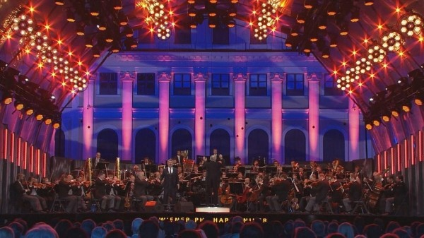 sweeping-melodies-with-jonas-kaufmann-at-the-summer-night-concert-2cd56c1